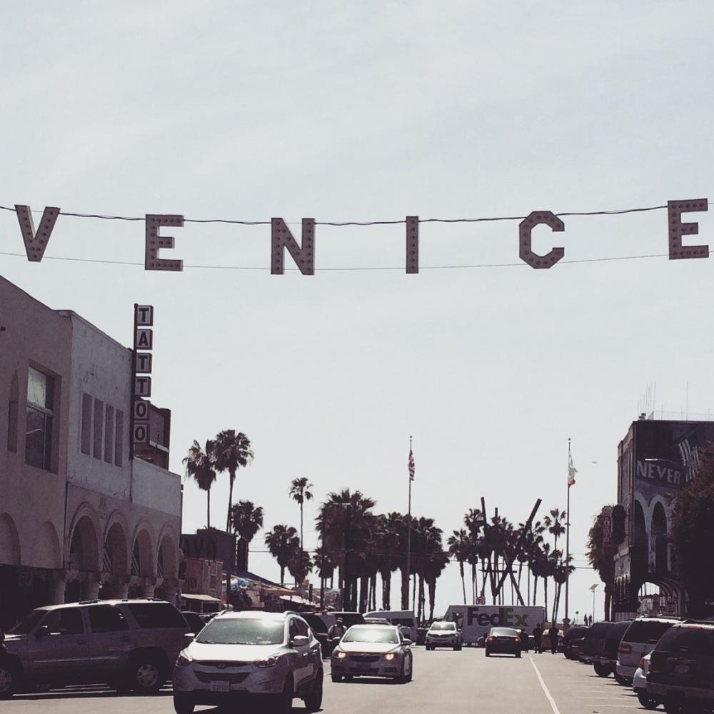 venice-beach-sign