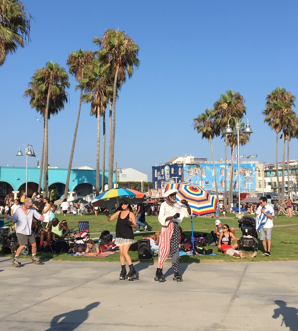 venice-beach-roller dancers