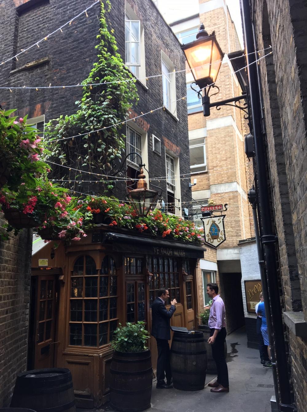 ye-olde-mitre-london